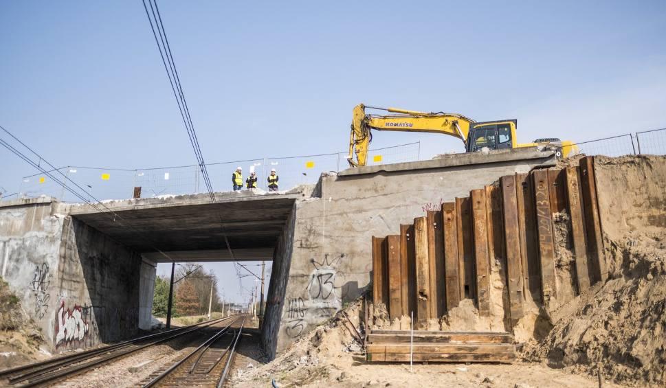 Film do artykułu: Rozpoczęły się prace przy wyburzaniu południowej części wiaduktu na ul. Łódzkiej [WIDEO, ZDJĘCIA]
