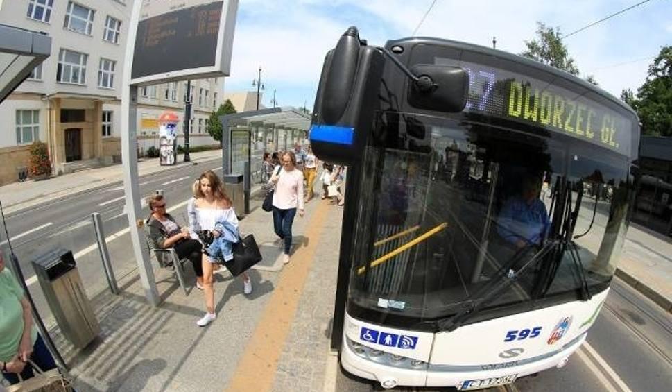 Film do artykułu: W Bydgoszczy uczniowie płacą symbolicznie za bilety. Czy w Toruniu też może być taniej?