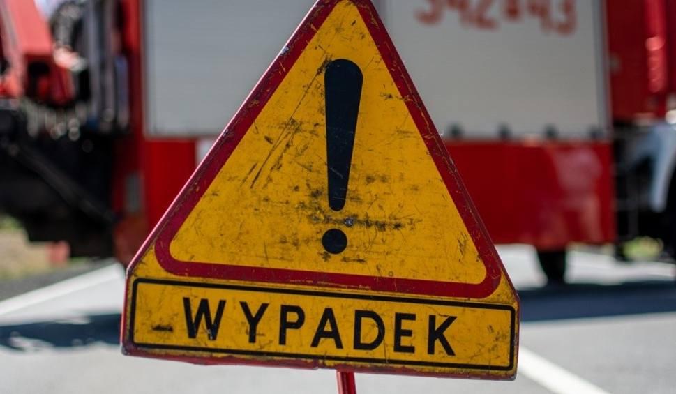 Film do artykułu: Śmiertelny wypadek koło Bytowa. Nie żyje motocyklista