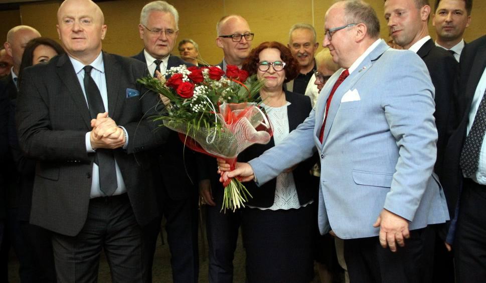 Film do artykułu: Wyniki wyborów do europarlamentu 2019. Wielka radość w lubelskim sztabie PiS. Zobacz zdjęcia