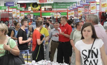 Tak wyglądało otwarcie multimarketu szwedzkiej sieci Jula w Kielcach. Sklep sieci Jula w Bydgoszczy zostanie otwarty 9 maja