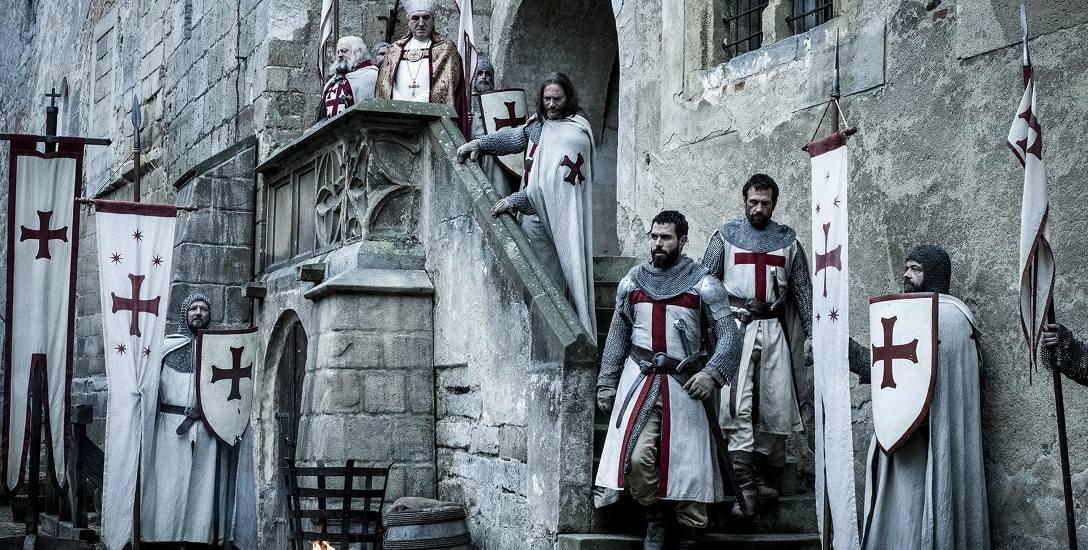 Zakon nieustannie inspiruje twórców kultury  popularnej: Kadr z serialu telewizyjnego Templariusze.