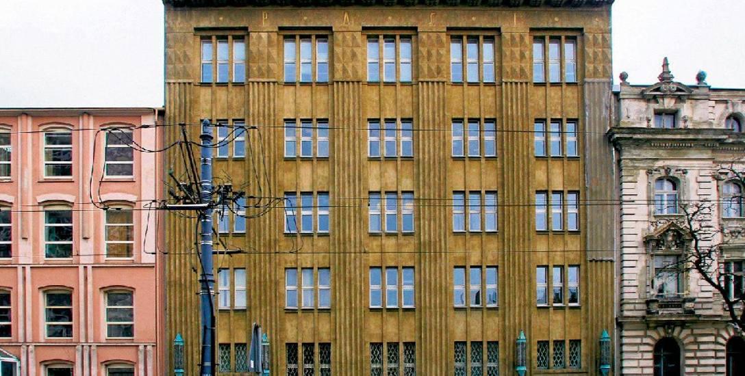 Lofty, handel i usługi w słynnym gmachu z zegarynką i  centralą telefoniczną?