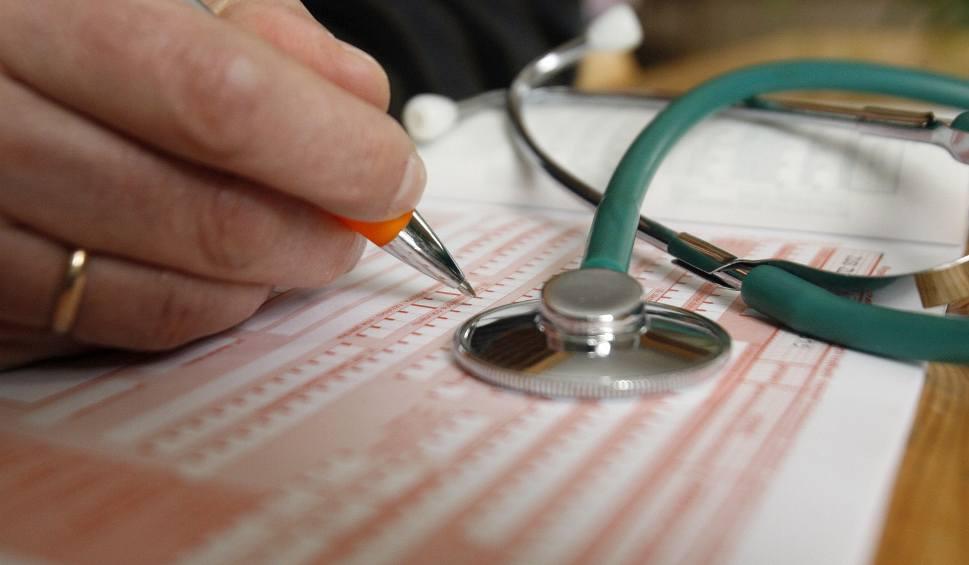 Film do artykułu: Do czwartku liczba elektronicznych zwolnień lekarskich sięgnęła w województwie lubelskim prawie 20 tysięcy