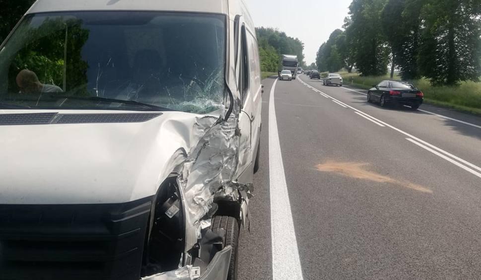 Film do artykułu: Wypadek: Dwa busy zderzyły się pod Białogardem. Utrudnienia na drodze krajowej nr 6