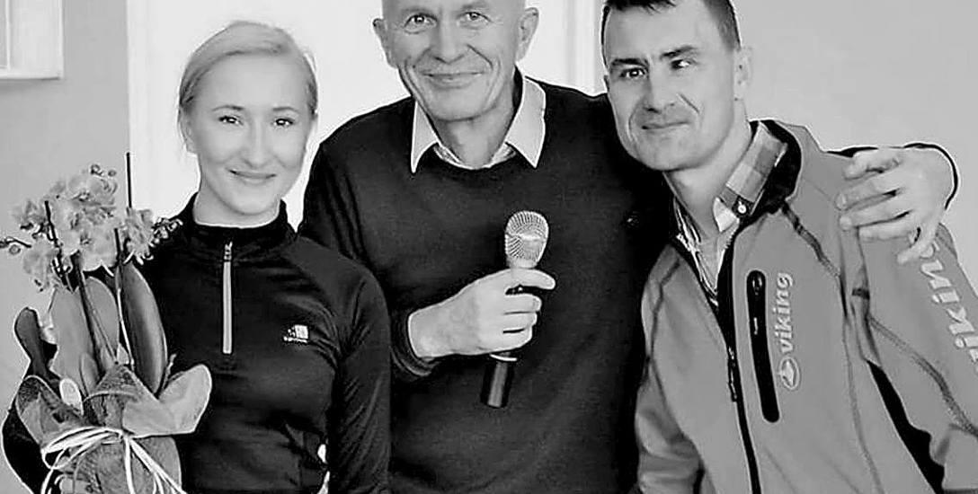 Adam Protasiewicz (na zdjęciu w środku) kochał sport. Obok Magdalena Falkowska i Dariusz Strychalski.  Zdjęcie z finału Grand Prix Bindugi