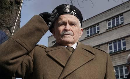 Narodowy Dzień Pamięci Żołnierzy Wyklętych w Łodzi. Złożyli kwiaty pod dawną siedzibą UB