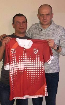 Ksiądz Bogusław Krok, kilkukrotny Mistrz Europy w Halowej Piłce Nożnej Księży, wciąż wspiera Wiązownicę! To były bramkarz tego klubu
