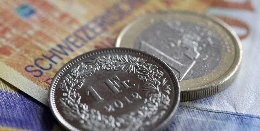 Zadłużenie Polaków w kredytach walutowych sięga ok. 150-170 mld zł. Część z nich nie radzi sobie ze spłatą, bo z powodu skoku franka w 2015 roku mają