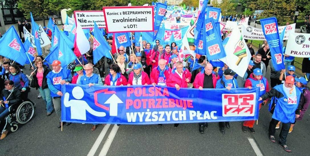 W proteście w Warszawie wzięło udział półtora tysiąca pracowników sektora budżetowego z regionu łódzkiego. Najwięcej było nauczycieli