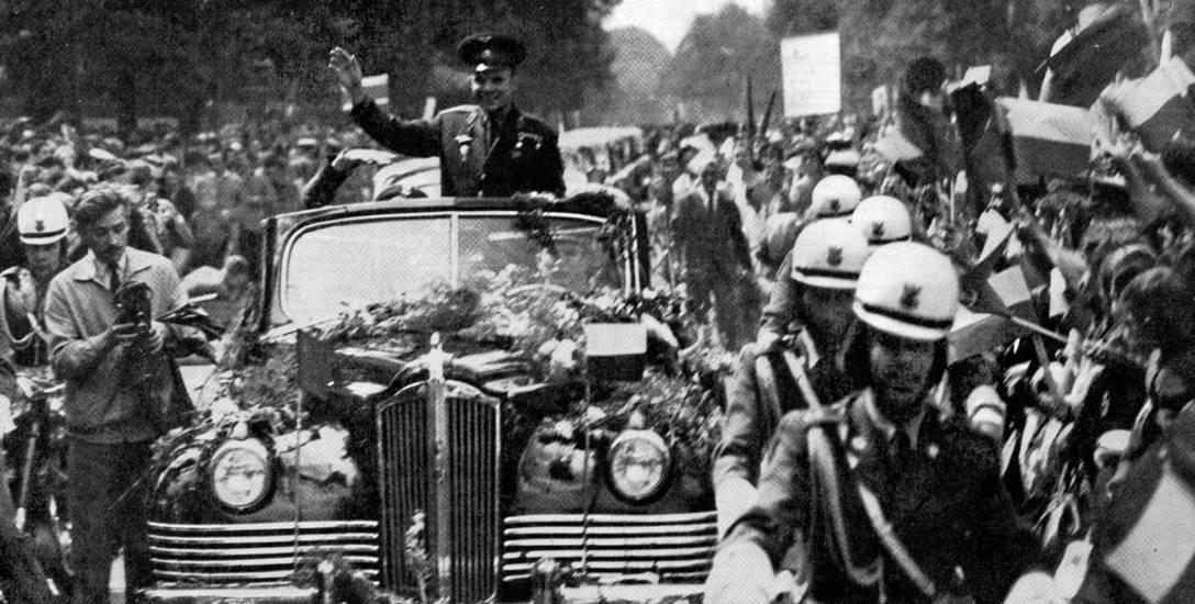 Jurij Gagarin w 1961 roku w Warszawie.