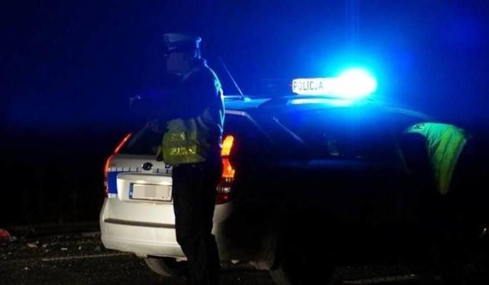 Film do artykułu: Samosąd w Mrowinach. Chcieli spalić mężczyznę, którego podejrzewają o zabójstwo 10-letniej Kristiny