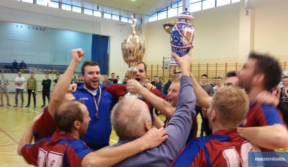 Film do artykułu: Bydgoszcz najlepsza w XV Halowych Mistrzostwach Sędziów w Piłce Nożnej Włocławek 2016 [wideo, foto]