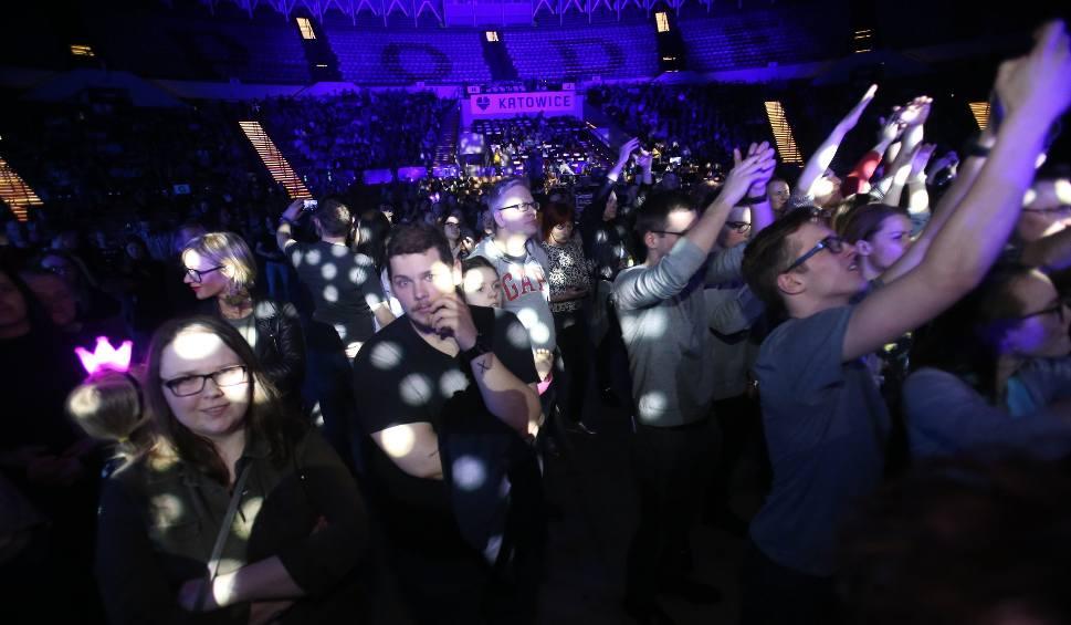 Film do artykułu: Giganci dla Świetlikowa: koncert charytatywny w Spodku. Na scenie Bednarek, Ridele, Miuosh i IRA ZDJĘCIA