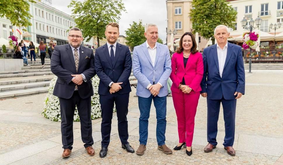 Film do artykułu: Wybory parlamentarne 2019. Koalicja Obywatelska prezentuje czołówkę podlaskiej listy do Sejmu [ZDJĘCIA]