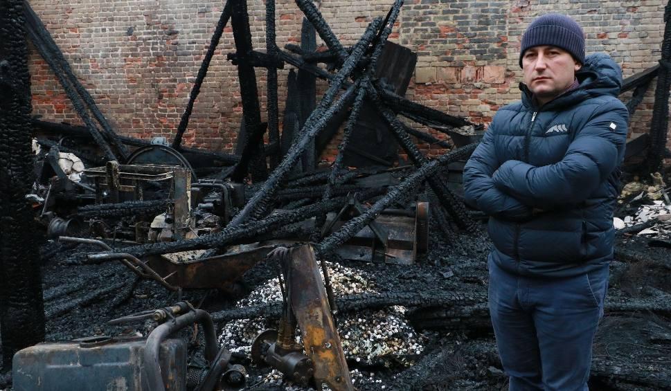 Film do artykułu: Ogień pochłonął majątek. Właściciele folwarku nie załamują jednak rąk [ZDJĘCIA, WIDEO]