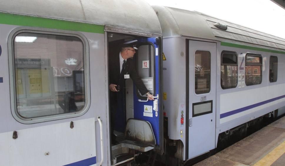 Film do artykułu: Autobusy zamiast pociągów PKP. Remont linii kolejowej Toruń Wschodni-Chełmża