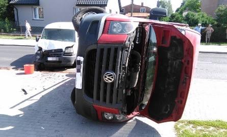 Do zdarzenia doszło w Lubaczowie na ul Kościuszki. Ze wstępnych ustaleń wynika, że kierowca dostawczego volkswagena, 54-letni obywatel Ukrainy, skręcając