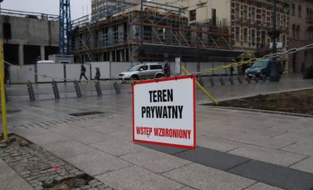 Ogrodzenie działki kupionej przez Piotra Misztala za 3 mln zł zakwestionowali urzędnicy. Ich zdaniem to złamanie zapisów uchwały o parku krajobrazowym
