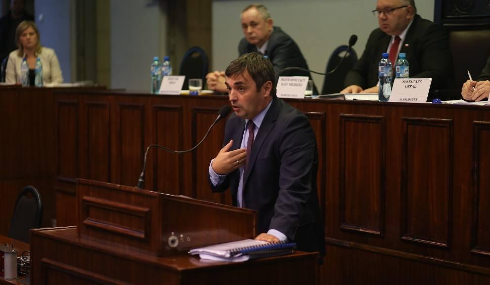 Film do artykułu: Bytom: referendum w sprawie odwołania prezydenta Bartyli 3 grudnia