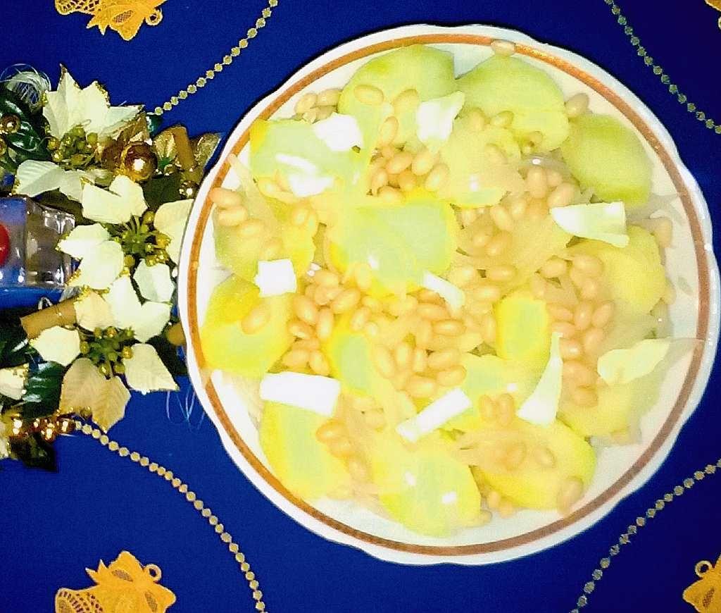 Sałatka z fasolki i ziemniaków