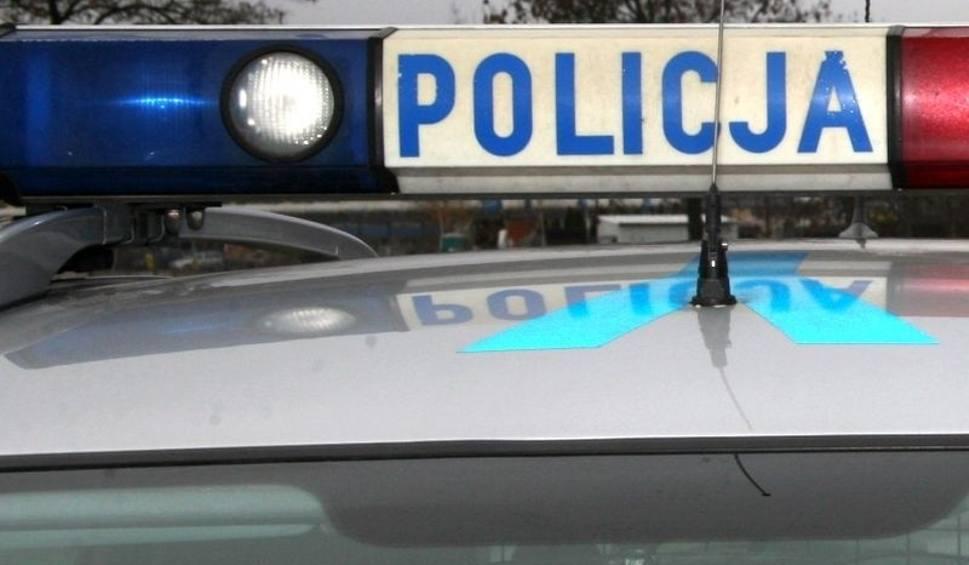 Film do artykułu: Zderzenie aut w Młodyniach Dolnych. Nietrzeźwy 18-letni kierowca opla uczestnikiem kolizji