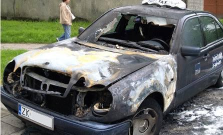 Nocą spłonęła taksówka. Sprawą zajęła się koszalińska policja