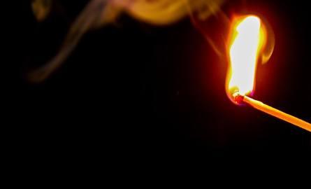 W Kościerzynie 55-letni mężczyzna oblał swoją konkubinę benzyną i ją podpalił. Poszkodowana jest w ciężkim stanie