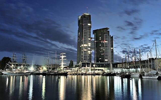 Tuż poza podium znalazł się najwyższy budynek mieszkalny na Pomorzu – Sea Towers.