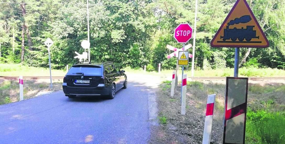 Przejazd kolejowy na ulicy Ogrodowej w Ustce może zostać zamknięty. Kolej twierdzi, że jest to droga niepubliczna. Tymczasem droga ta widnieje w wykazie