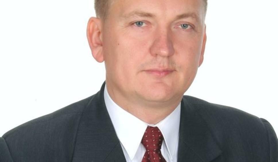 Film do artykułu: Chwile grozy w Chęcinach. Burmistrza w 2016 roku zaatakowano nożem. Co ze sprawcą?