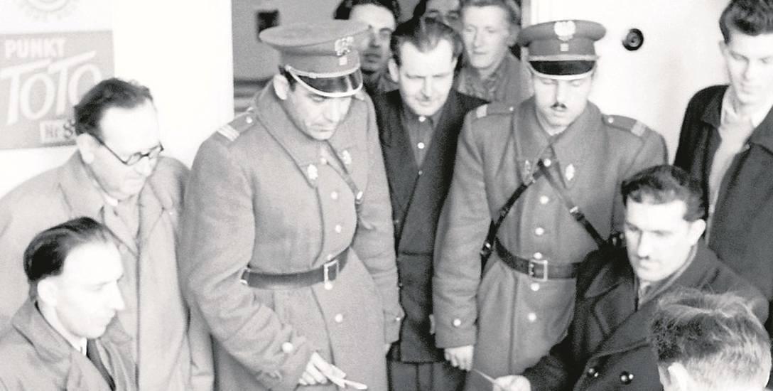 Punkt Totalizatora Sportowego w Gdańsku, rok 1958