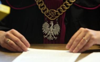 Prokuratura Rejonowa w Miastku postawiła zarzuty dwóm policjantom, którzy we wrześniu tego roku mieli pobić Kamila S.