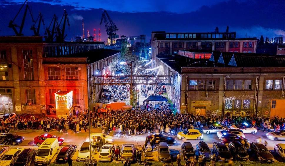 Film do artykułu: Rozrywka w Stoczni Centrum Gdańska na specjalnych zasadach. To efekt zawartego porozumienia. Zmiany już w weekend 11-13.06.2021 r.