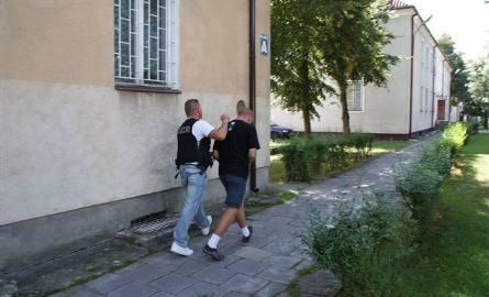Drugi sprawca bandyckiego napadu zatrzymany. Zobacz zdjęcia