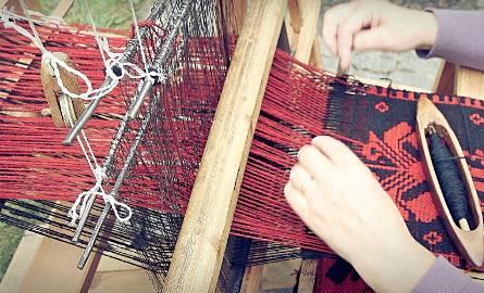 """Celem projektu """"Kraina wątku i osnowy"""" jest ochrona i zachowanie tradycyjnego tkactwa poprzez jego ożywienie i popularyzację, zwłaszcza wśród młodyc"""