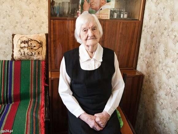 Pani Wanda 24 lipca skończyła sto lat. Przez ten czas wychowała 3 córki, doczekała się 7 wnuków, 10 prawnuków i 1 praprawnuka.