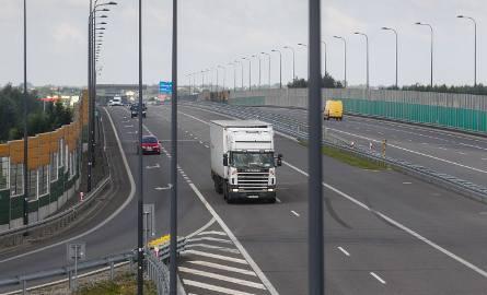 Na razie opłatami zostaną objęte tylko samochody ciężarowe.