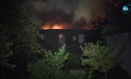 Pożar pustostanu w Mysłowicach. 19 zastępów straży w akcji