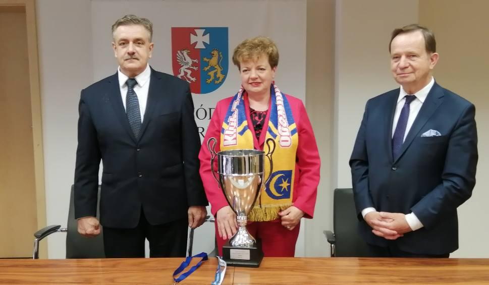 Film do artykułu: Tenis stołowy. Marszałek Województwa Podkarpackiego nagrodził triumfatora Ligi Mistrzyń [WIDEO]