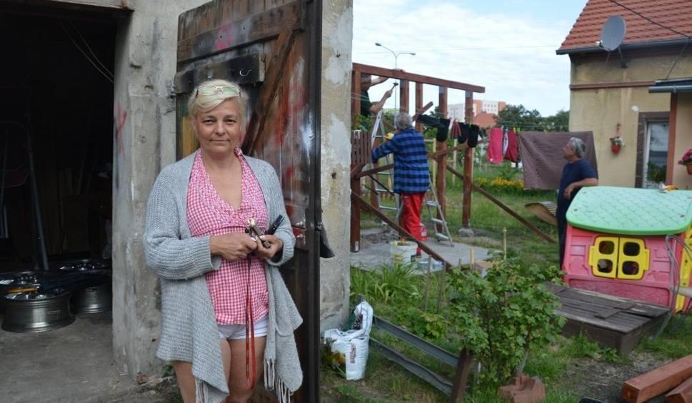 Film do artykułu: Zielona Góra. Mieszkańcy Łużyckiej wciąż boją się, że ktoś wykupi ich dom
