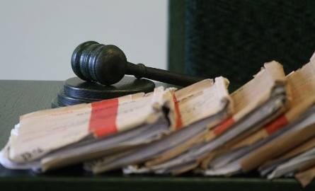 Sąd umorzył sprawę, bo prawnik przeprosił