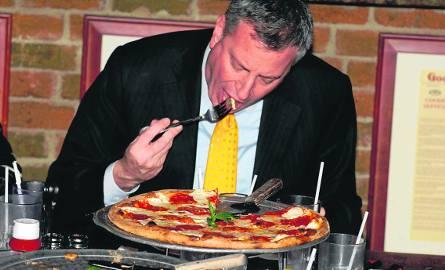 """Afera """"widelcowa"""", czyli pizzę w Nowym Jorku je się rękoma"""