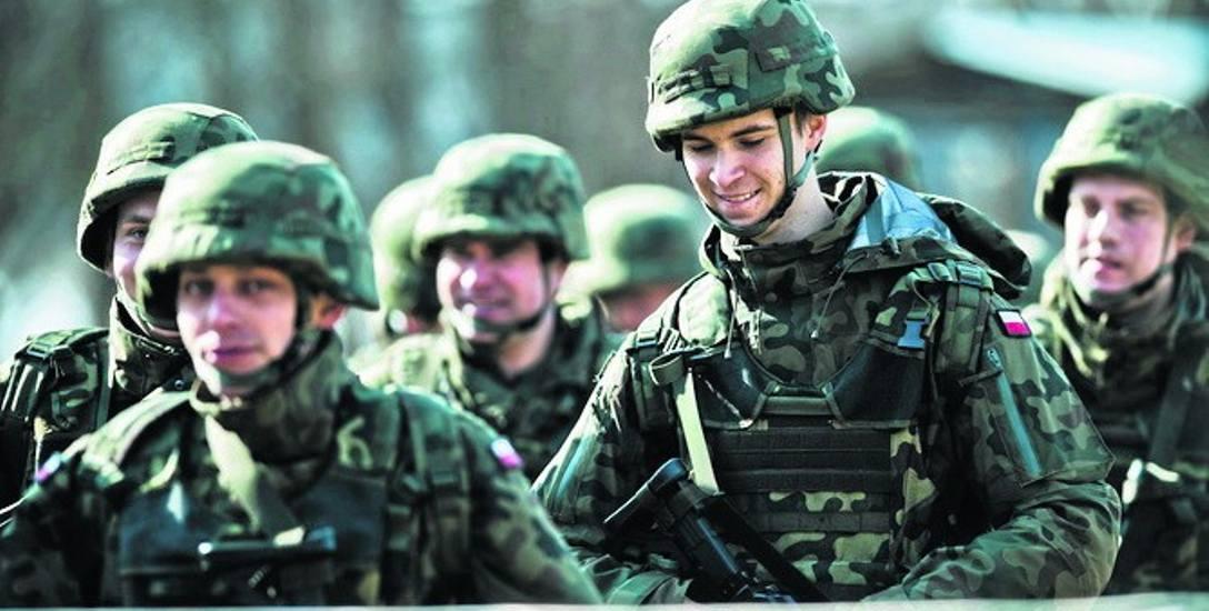 Tworzone aktualnie w Toruniu Centrum Szkolenia WOT to jedna z najważniejszych jednostek w strukturze powołanych w ubiegłym roku Wojsk Obrony Terytor