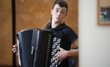 """Lukas Gogol z Chróściny pod Opolem w finale """"Mam talent""""!"""