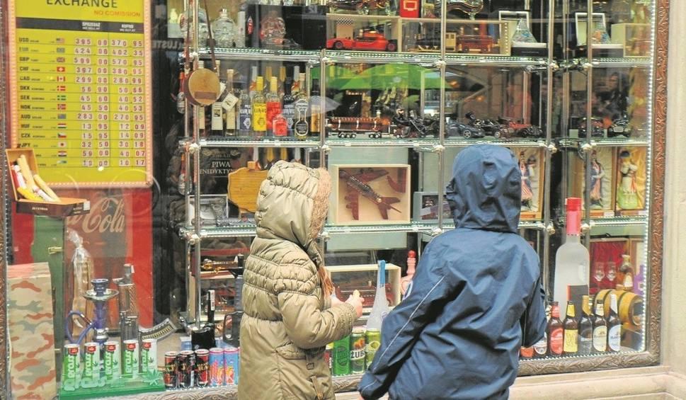 Film do artykułu: Kraków. Nocna prohibicja na Starym Mieście niezgodna z prawem? Rozstrzygnie sąd