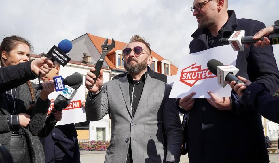 Film do artykułu: Wybory 2019. Piotr Liroy i Skuteczni chcą wprowadzić możliwość odwoływania posła w trakcie kadencji