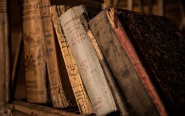 """Compendium ferculorum, albo zebranie potraw"""" autorstwa kuchmistrza Stefana Czarnieckiego to jedna z najstarszych książek kucharskich kKsięga ta wydana"""