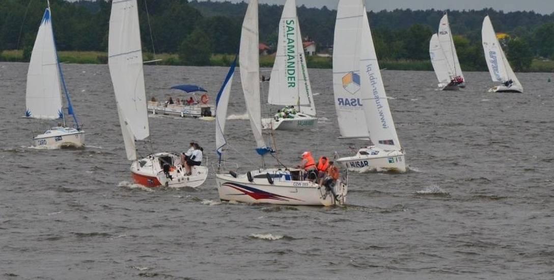 Uroki Włocławka i okolic doceniają m.in. żeglarze uczestniczący w regatach organizowanych w Zarzeczewie.