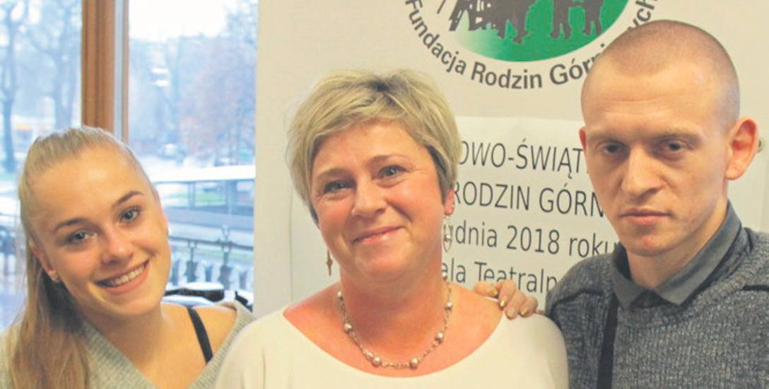 Sabina Wiese z dziećmi, podopiecznymi fundacji od 2006 roku